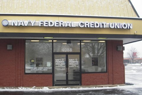 Navy Federal Credit Union's work in the community includes worker volunteering (Photo: Mark Plummer)