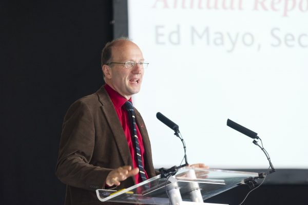 Ed Mayo presenting the annual report [photo: Co-operatives UK]
