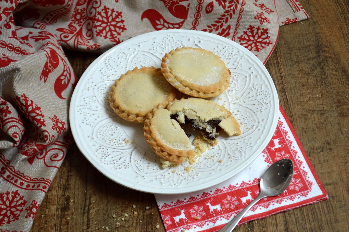 Lincolnshire Co-op's own bakery, Gadsby's, sold a record-breaking 152,000 individual mince pies