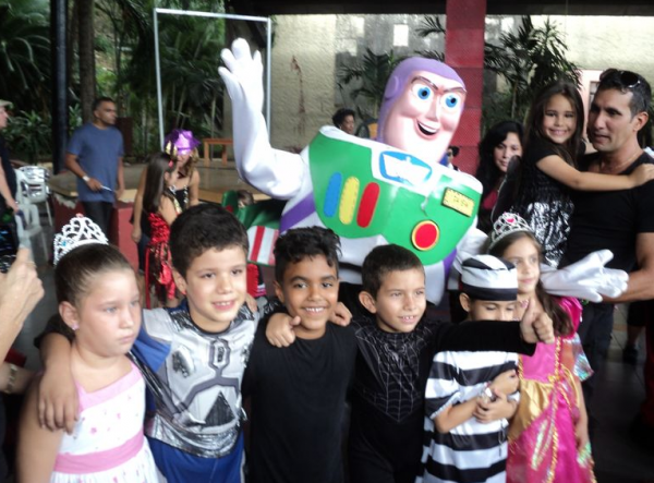 Children from the Cuban School of Foreign Languages celebrating Halloween [photo: Cuban School of Foreign Languages]