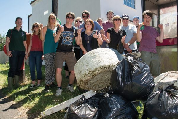 The Southern Co-op pick litter with Hampshire and Isle of Wight Wildlife Trust at the Big Clean 2015