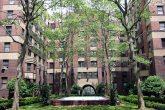 Inner courtyard of Amalgamated Dwellings housing co-operative in Cooperative Village on the Lower East Side of Manhattan. Image: Joel Raskin (CC)