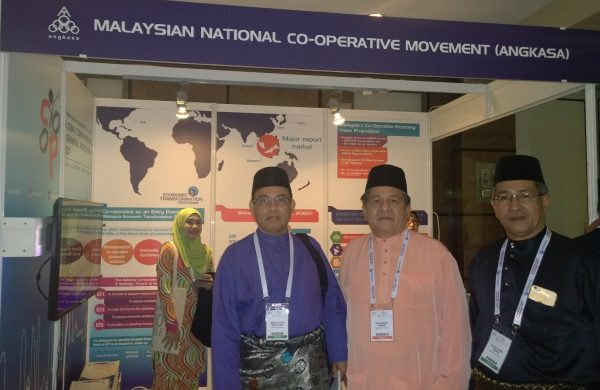 Members of the Malaysian National Co-operative Movement at the conference in Antalya