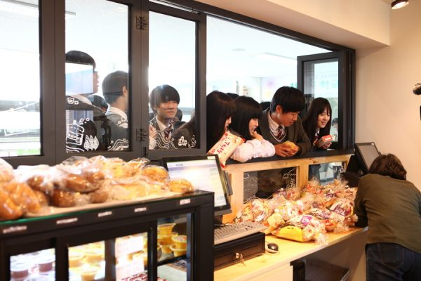 A student co-operative runs a snack bar at one of South Korea's Innovation Schools
