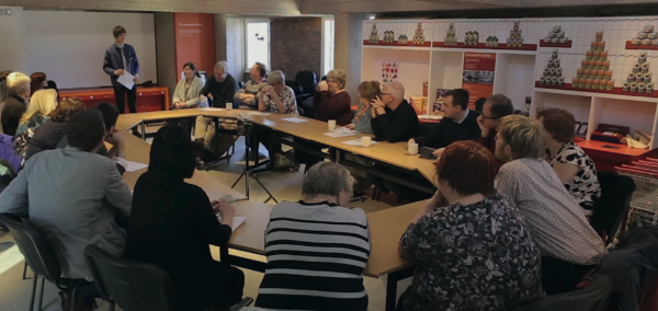 The first planning meeting for Rochdale SOUP was held on 31 March. For a full video of the meeting, visit s.coop/1xww2. [photo: Andy Hirst]